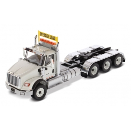 International® HX620 Tridem Tractor (White)