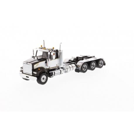 Western Star® 4900 SF Day Cab Tridem Tractor