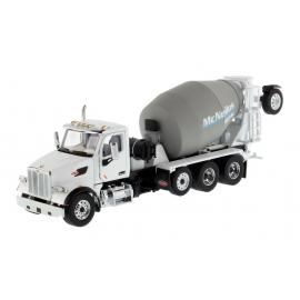 Peterbilt® 567 With McNeilus Bridgemaster Mixer (White)